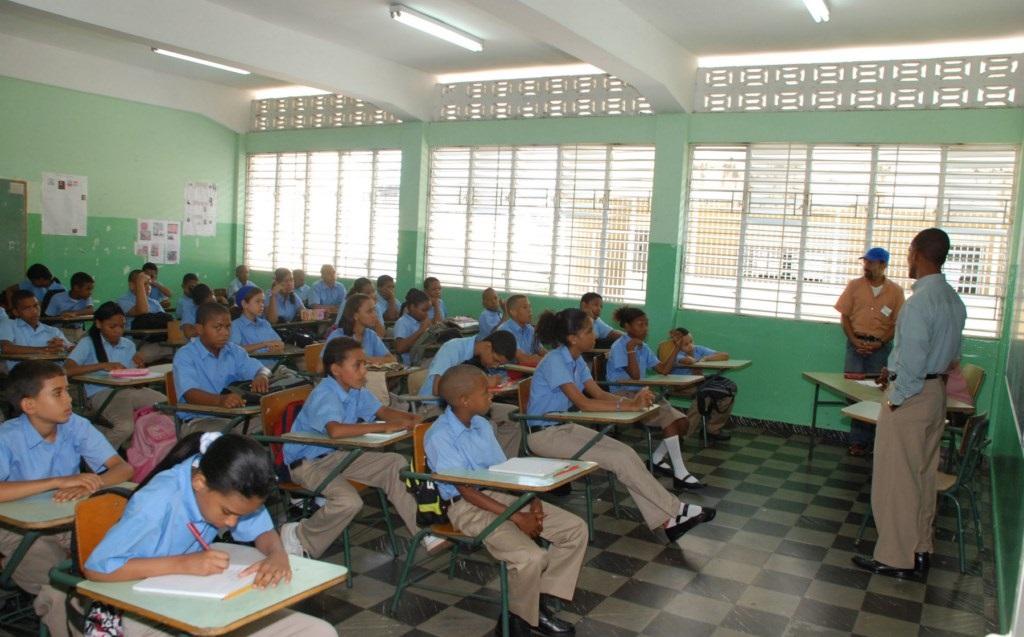Los aspirantes a docentes de Monte Plata