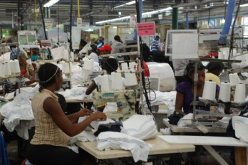 Universitarios dominicanos con menos empleos que los analfabetos