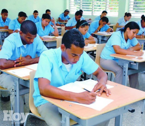 Escuelas de tanda extendida mejoran pruebas nacionales
