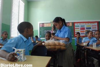 Licitan leche para el desayuno escolar