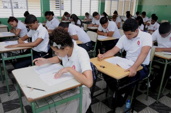 Educación destaca asistencia de estudiantes a Pruebas Nacionales nivel Medio