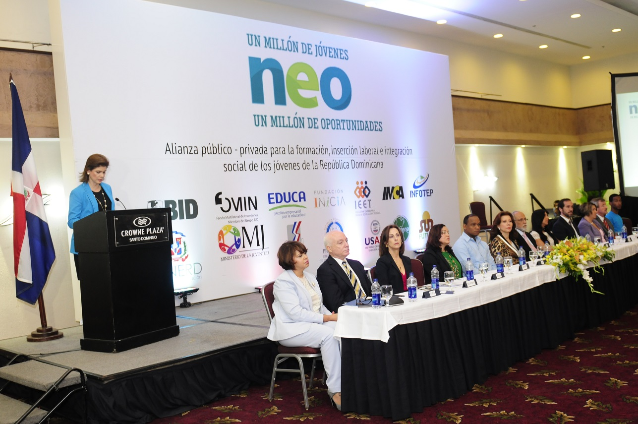 Lanzan proyecto para disminuir desempleo juvenil en el país