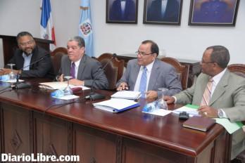 El Ministerio de Educación y la ADP pasan balance al sector, ante el inicio del año escolar