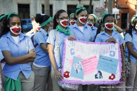 Las mujeres dominicanas: más educadas y con mejor acceso al trabajo, pero violentadas