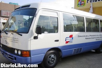 Invierten RD$29.7 millones en autobuses para estudiantes