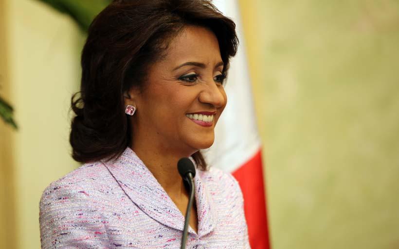 La Primera Dama firma acuerdos para fortalecer el CAID