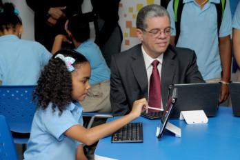 MINERD introduce robótica en más de 100 escuelas de jornada extendida