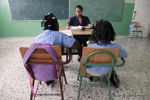 Docente dominicano percibe antes apoyo de estudiantes que el de los padres