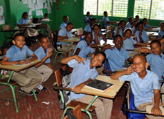 Tanda Extendida en escuela RD una respuesta a la pobreza y violencia