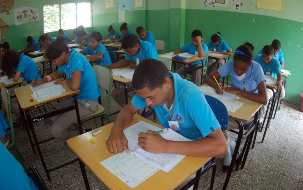 Educación busca cumplir plan de retorno a clases