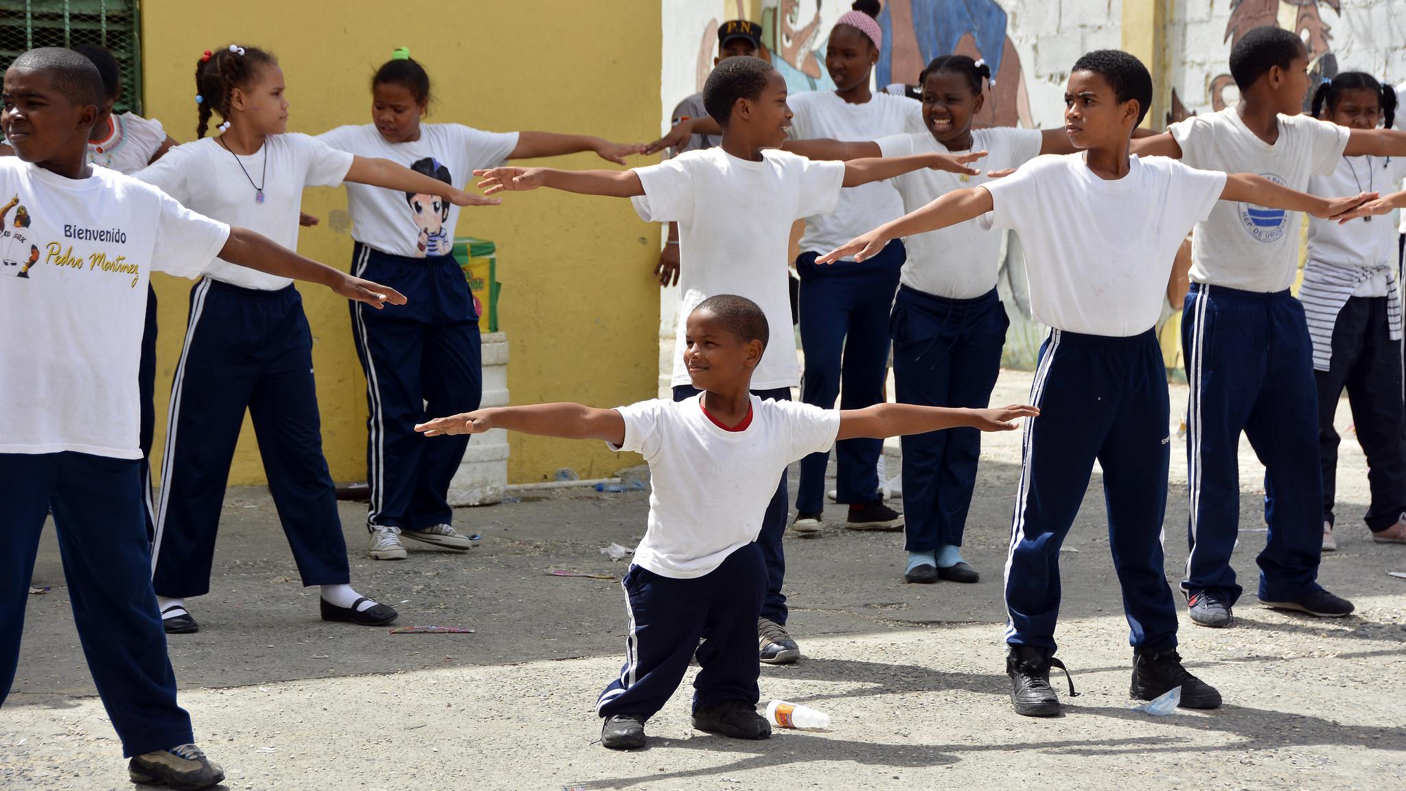 Escuelas públicas acogen a niños con discapacidad