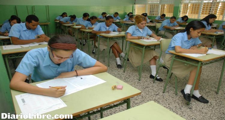 Promueven el 68.28% de estudiantes que tomaron Pruebas Nacionales