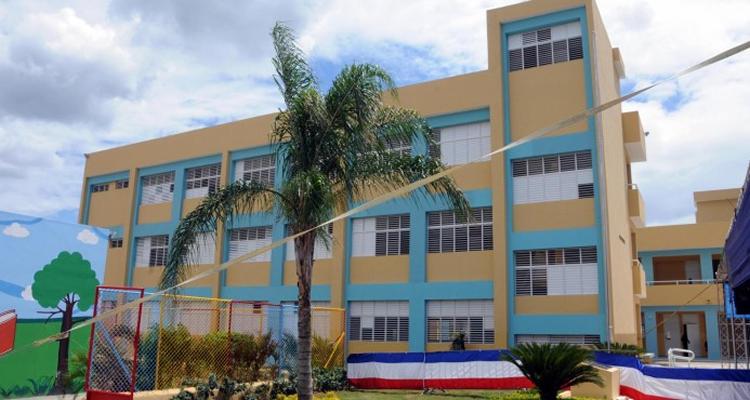 Danilo Medina inaugura 61 aulas en Espaillat y La Vega