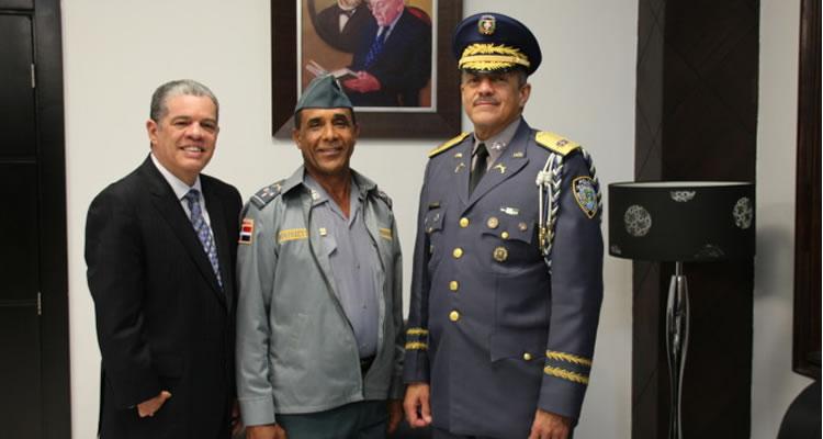Amarante Baret y jefe Policía Nacional analizan seguridad en las escuelas