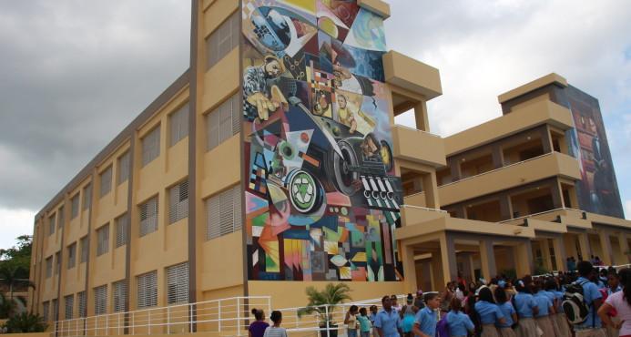 Presidente inaugura escuelas en Nordeste