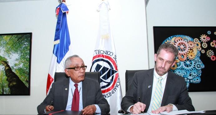 El ITSC firma acuerdo con escuela de EU
