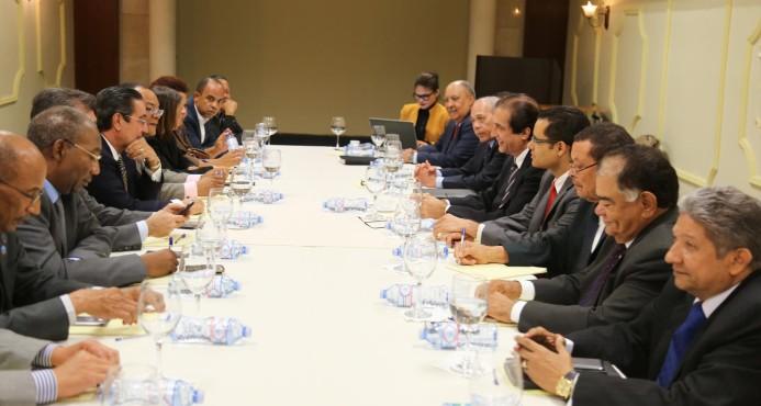 El Gobierno inicia diálogo con sectores de la UASD