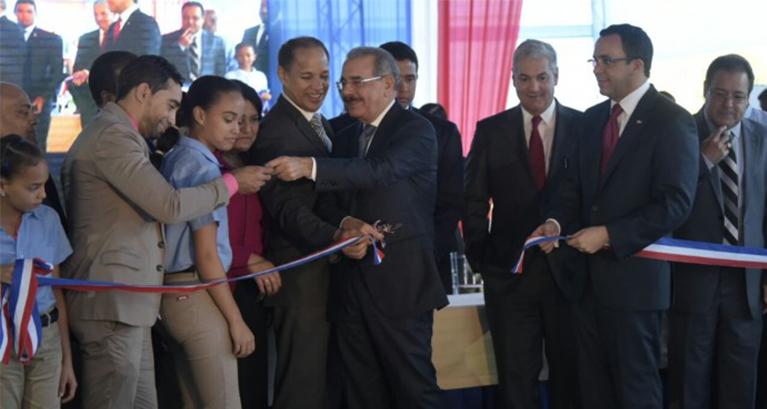 Presidente Medina inaugura dos centros educativos en Jarabacoa