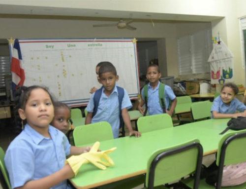 Escolares reciben docencia en hacinamiento en Partido, Dajabón