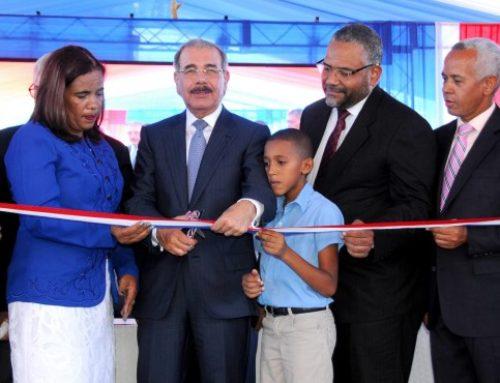 Presidente Medina entrega nueva escuela en Pedernales para más de 800 estudiantes